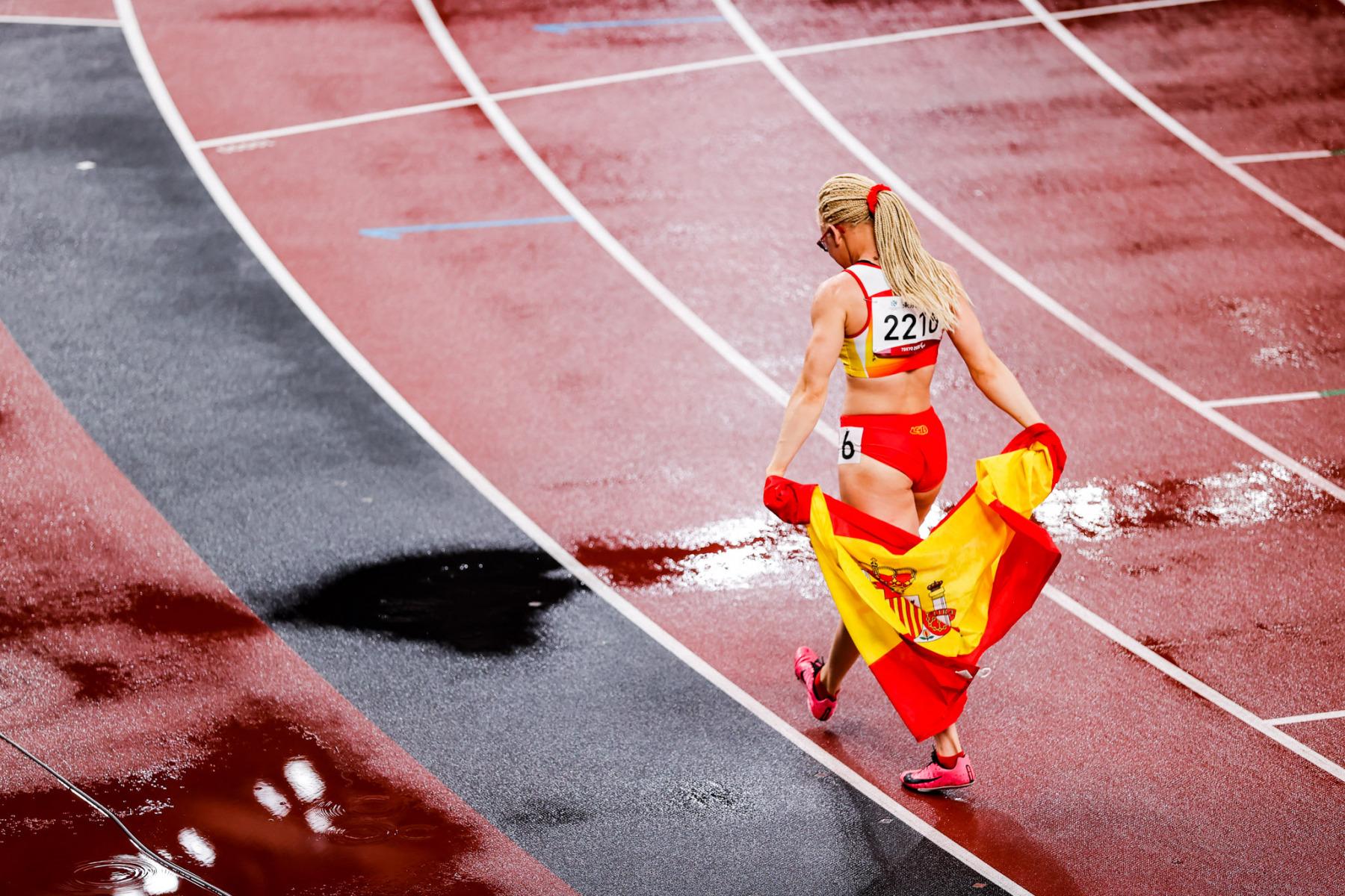 Adiaratou Iglesias, medalla de oro en los 100 m T3 femenino.  Estadio Olímpico de Tokio. 31/08/21. Juegos Paralímpicos Tokio 2020. ©Jaime de Diego / CPE.